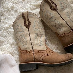 ARIAT original cowgirl boots